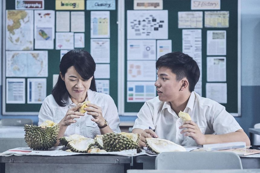 Wet Season, set in Singapore, tells the story of a teacher and her relationship with a student as she struggles with fertility issues and marriage problems.