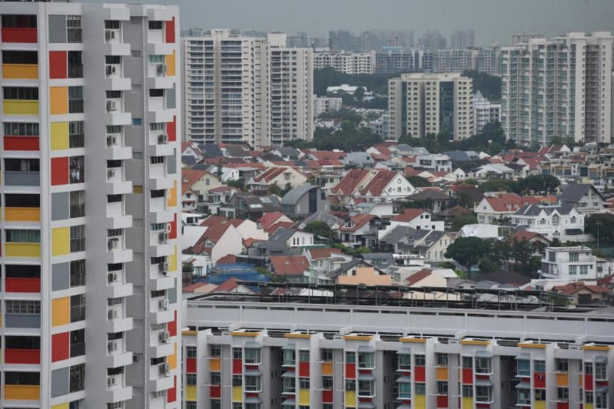Private and public houses in Ang Mo Kio, on Jan 21, 2019. Inter-generational housing wealth mobility differs across various regions in Singapore.