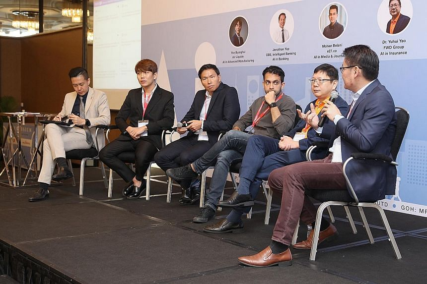 (From far left) Moderator Richardo Chua, Mr Yoo Byunghui from Air Liquide, Mr Jonathan Yap from DBS Intelligent Banking, Mr Mohan Belani from e27.co, Dr Yuhui Yao from FWD Group, and Mr Lim Chee Siong from Huawei, South Pacific, at a panel discussion