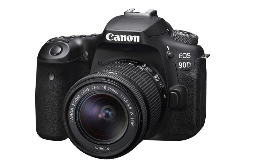 Ironically, being heavier makes the Canon EOS 90D much easier to hold compared to mirrorless cameras.