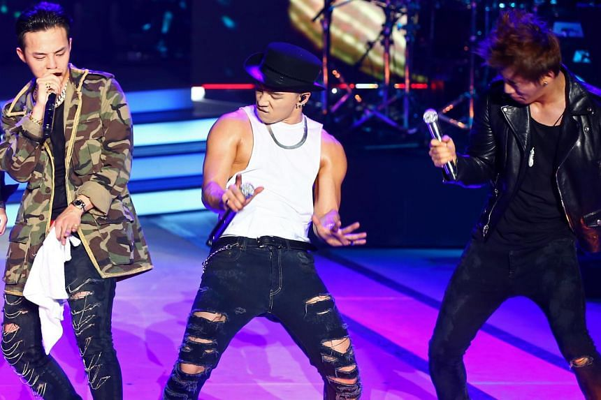 G-Dragon (left) enlisted in February 2018 while Taeyang (centre) and Daesung did so in March that year.