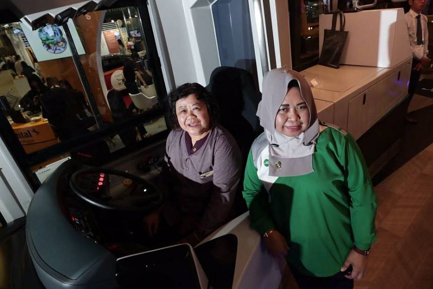Ms Elizabeth Lim (left) from SBS Transit and Ms Hamimah Rawi from Tower Transit Singapore are among the first drivers in Singapore who can take on the role of safety operators in autonomous buses.