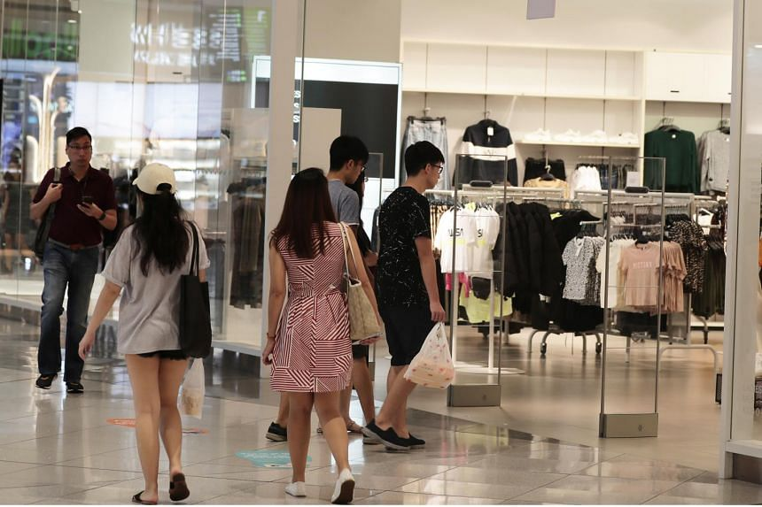 Overall inflation in Singapore remained the same at 0.5 per cent in September. The cost of retail goods declined, easing 0.8 per cent.