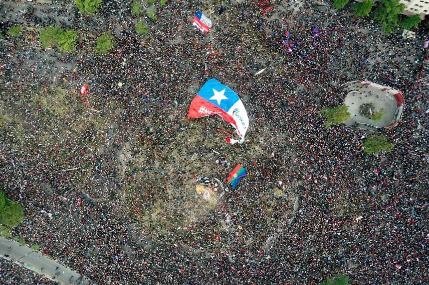 More than a million people protesting in Santiago on Friday, a week after violent protests started. While violence appears to be abating, the largely peaceful street turnouts have gained momentum. A survey by pollster Activa Research showed that 84 p