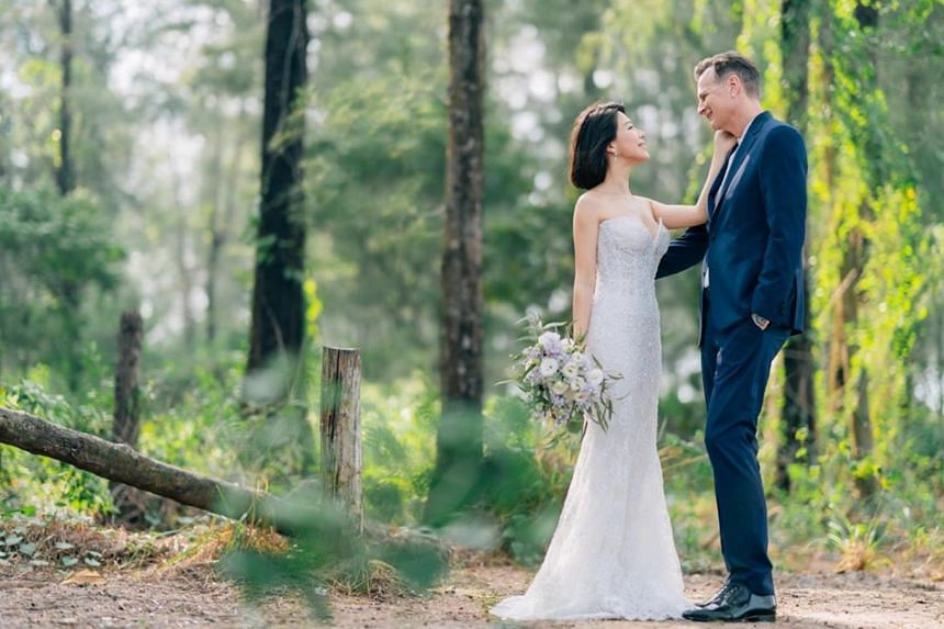 Bilingual TV host and actress, Belinda Lee, married American architect David Moore, on Oct 27, 2019.