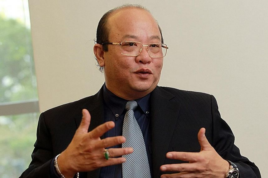 Mr Desmond Lim Tze Jong, who founded Dyna-Mac in 1990, was CEO and executive chairman.