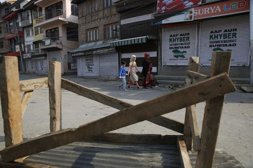 A roadblock set up by Kashmiri protesters in Srinagar, India, on Oct 29, 2019.