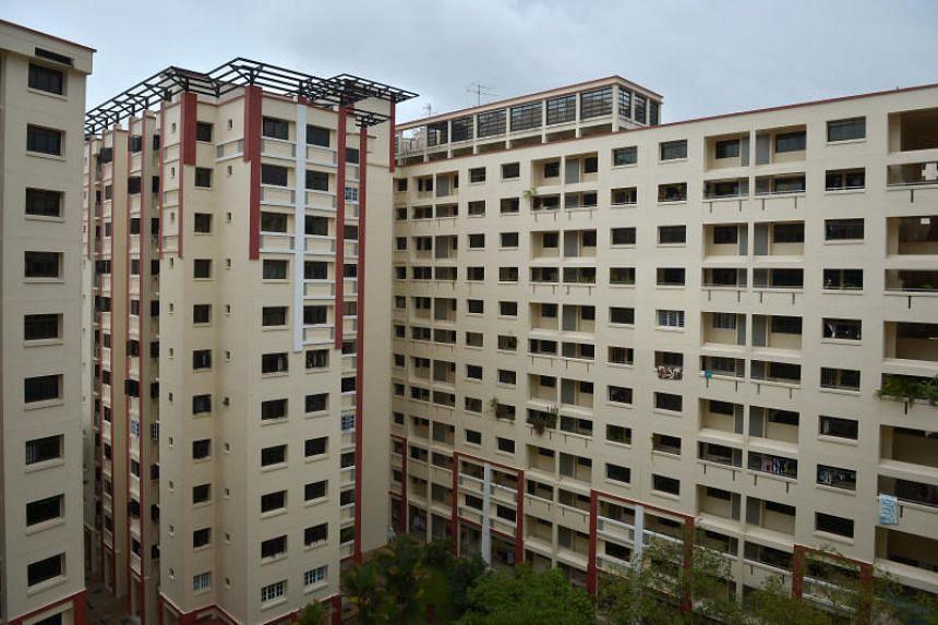HDB flats located near Woodlands Avenue 6.