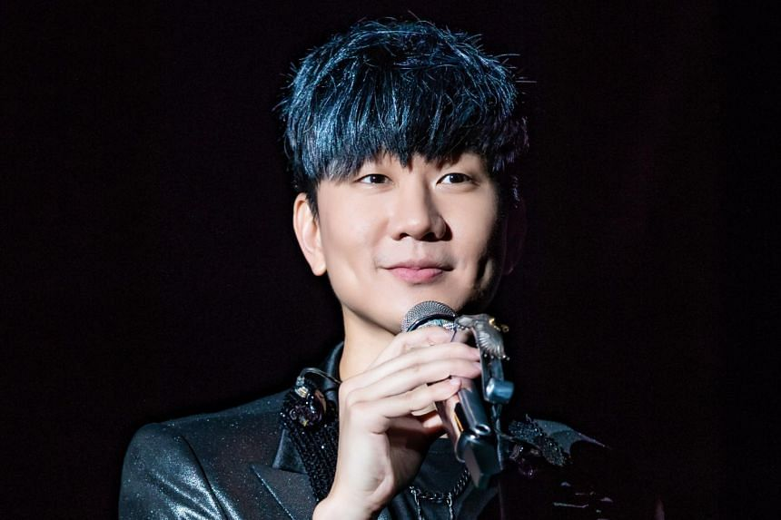 Mandopop singer JJ Lin revealed that he was diagnosed recently with hand, foot and mouth disease and that he had more than 70 ulcers in his mouth.