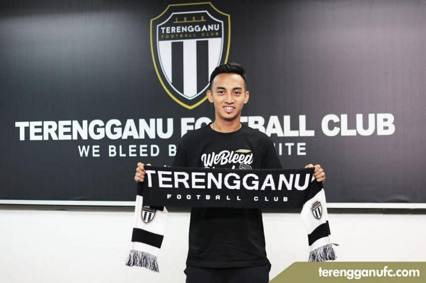 Malaysia Super League side Terengganu have signed Singapore Premier League Player of the Year Faris Ramli.