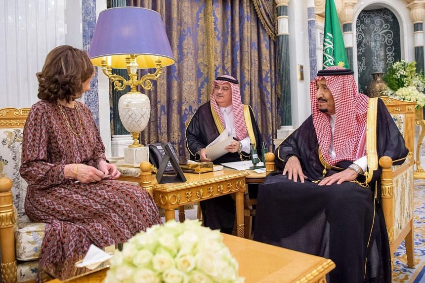 King Salman meets Gina Haspel, director of the US Central Intelligence Agency.