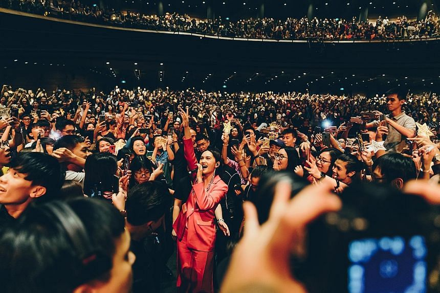 Rainie Yang, who married Chinese singer-songwriter Li Ronghao in September, retains an endearing sense of playfulness and relatability, coming down from the stage twice and, at one point, walked down the aisles to get close to fans.