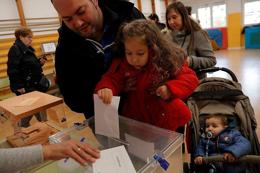 Opinion polls suggest a minority government led by the Socialists appeared the most likely outcome in Spain's election yesterday. PHOTO: REUTERS