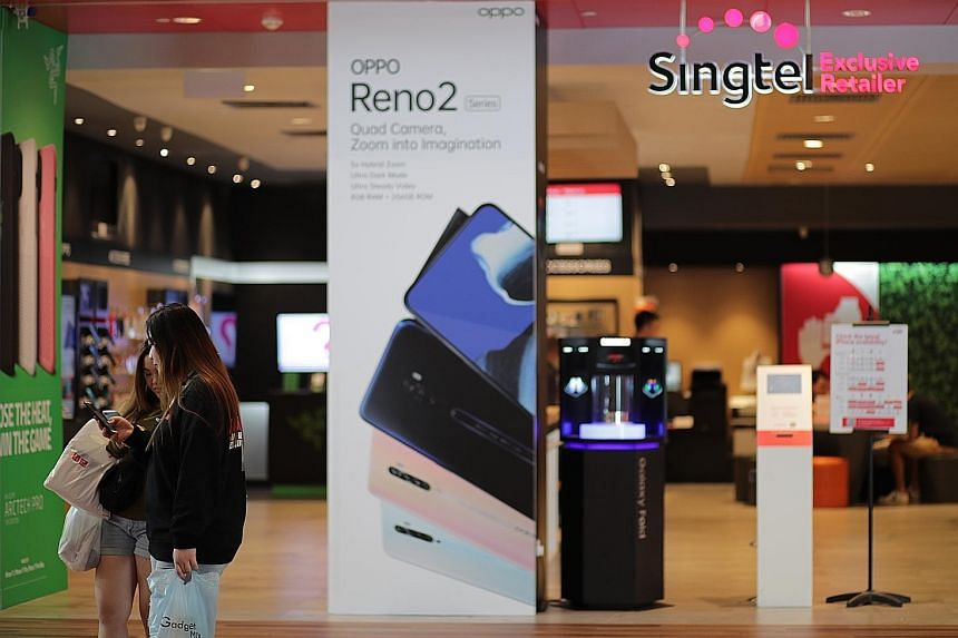Singtel's operating revenue slid 2.8 per cent to $4.15 billion, due mainly to weaker enterprise business, which saw lower spending, carriage erosion and headwinds in Australia. ST PHOTO: GIN TAY