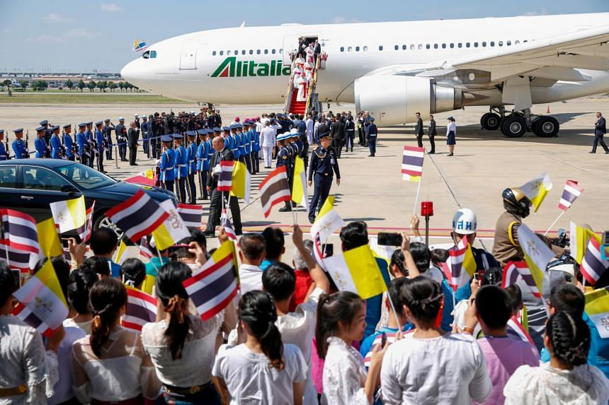 Pope lands in Thailand to kick off two-country Asian tour