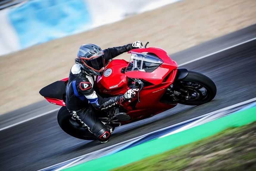 New riders will find the fuel-injected V2 palatable with 155bhp on tap, while seasoned riders will be able to exploit the 955cc bike's performance.