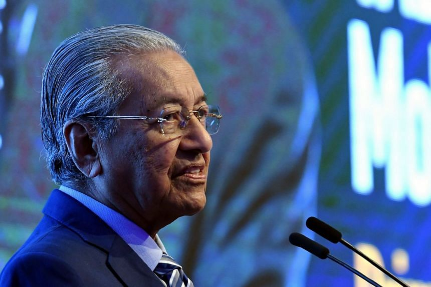 Dr Mahathir delivers a speech at the International Conference on Social Security 2019, Nov 21, 2019.