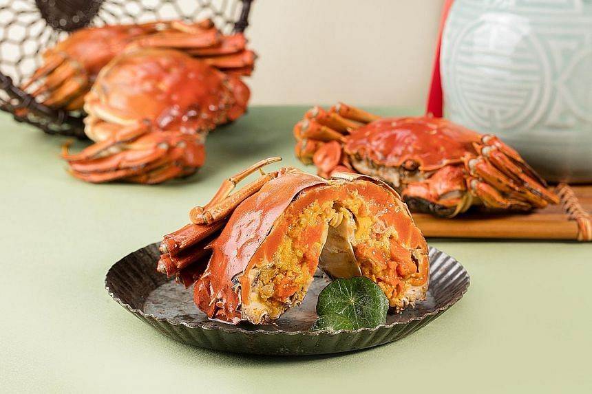 Cold Hairy Crab In Chinese Wine.