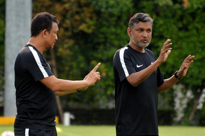 V. Sundram Moorthy (right) and Fandi Ahmad coaching Singapore's Lions on Nov 6, 2017. The two former national footballers will face off as the coaches of Laos and Singapore on Nov 26, 2019.