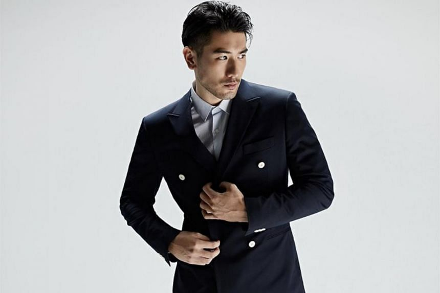 Zhejiang Television clarified that its staff provided immediate assistance to Godfrey Gao when he lost consciousness.