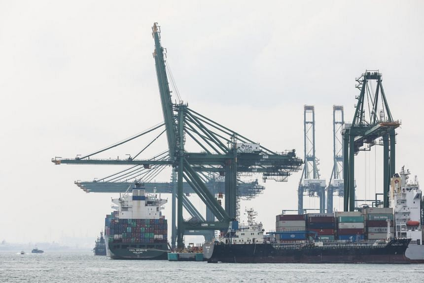 Singapore's maritime industry, including the marine and offshore engineering sector, employs about 170,000 people and contributes 7 per cent to Singapore's economy.