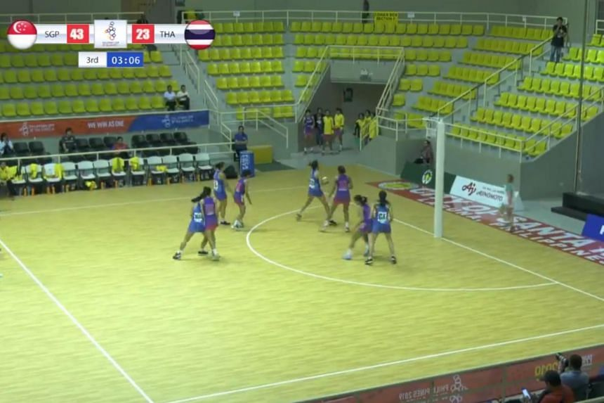 Singapore's netball team defeated Thailand 61-31 to set them up for a semi-final clash with Malaysia.