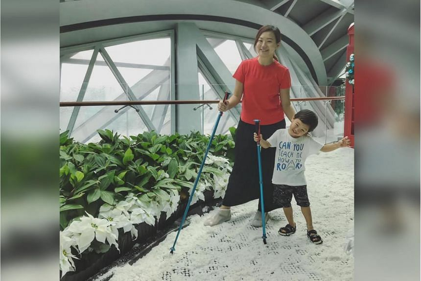 Radio deejay Lim Peifen denied that she was given preferential treatment at a snow-walk attraction at Jewel Changi Airport.