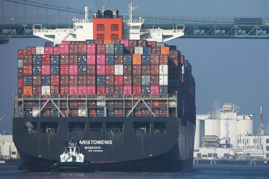 Shipping industry proposes fund to tackle carbon emissions
