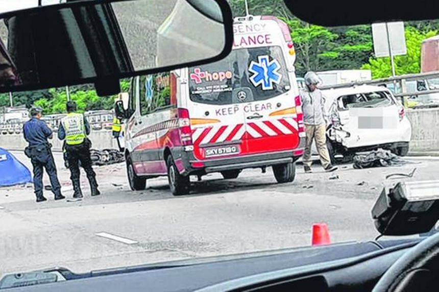The accident happened on the SLE towards the Bukit Timah Expressway, near the Upper Thomson exit.