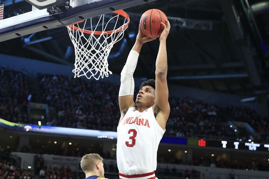 Justin Smith of the Indiana Hoosiers shoots the ball against the Notre Dame Fighting Irish during a game on Dec 21, 2019.