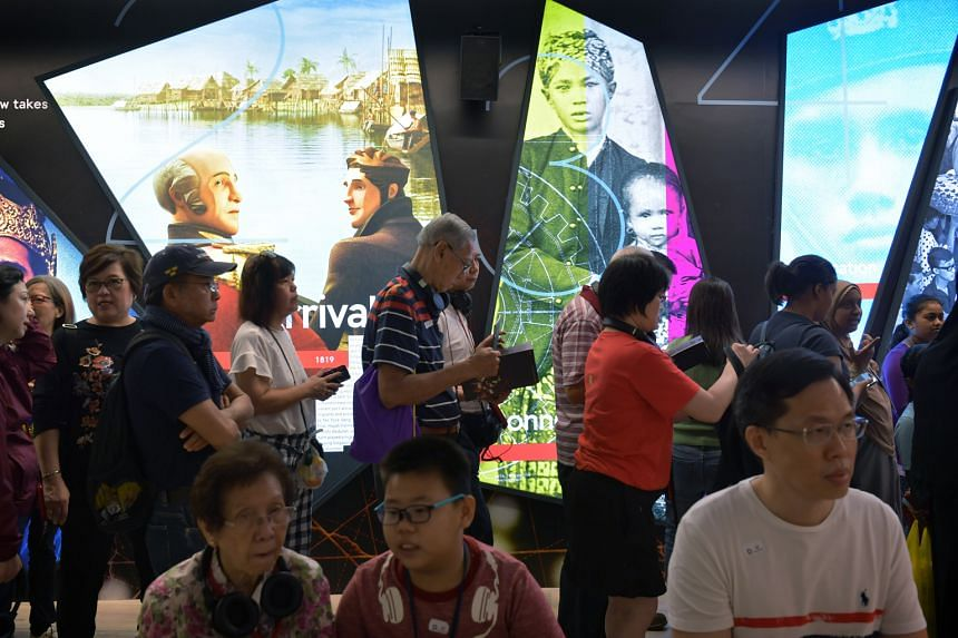 Visitors queueing for the From Singapore To Singaporean: The Bicentennial Experience at Fort Canning Centre in October.