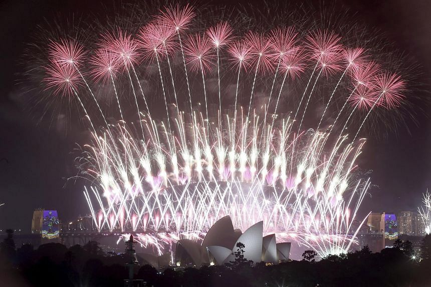 More than 260,000 signatures have been collected in an online petition to cancel Sydney Harbour's famous New Year's Eve fireworks display, and to use the money to support volunteer firefighters battling bush fires surrounding the city as well as farm