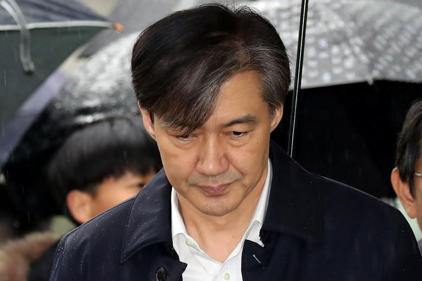 Former South Korean justice minister Cho Kuk arrives at a court to attend a hearing for reviewing the prosecution's detention warrant in Seoul, on Dec 26, 2019.
