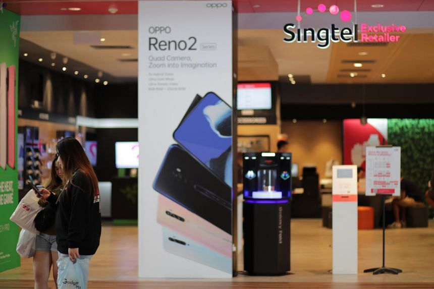 A SingTel outlet at Ion Orchard.