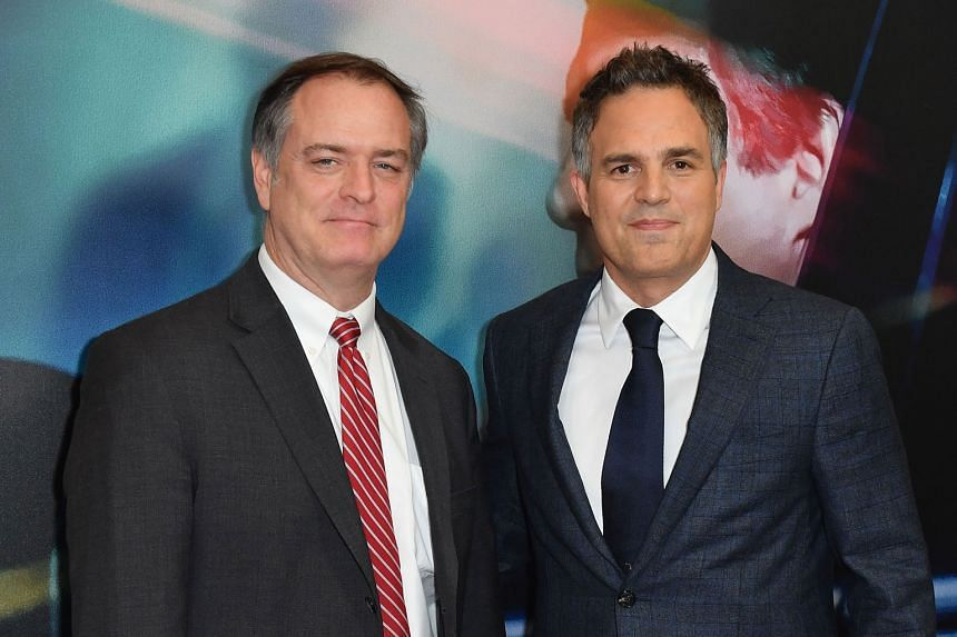 Actor Mark Ruffalo (right) with lawyer Robert Bilott (left) at Dark Waters' New York premiere.