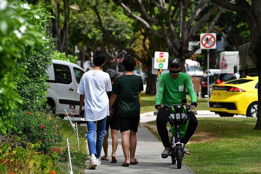 Four MPs have filed questions on cycling paths and footpaths, e-scooters and electric bicycles, as well as food delivery riders. Under the new rules, e-scooters are now confined to cycling paths.
