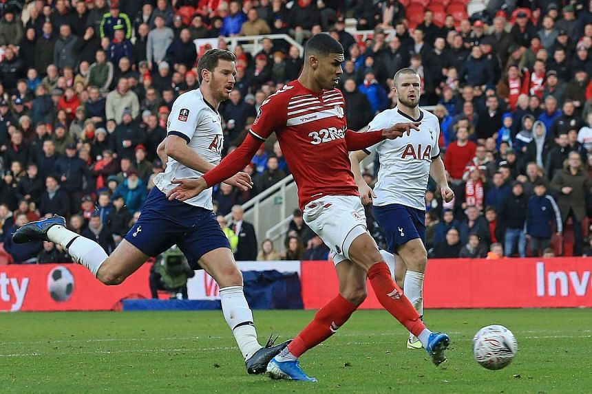 Ashley Fletcher timing his run to perfection as he stayed onside and got behind the Tottenham defence before coolly finishing past goalkeeper Paulo Gazzaniga. His goal in the 50th minute gave Boro the lead but it only lasted 11 minutes. Lucas Moura e