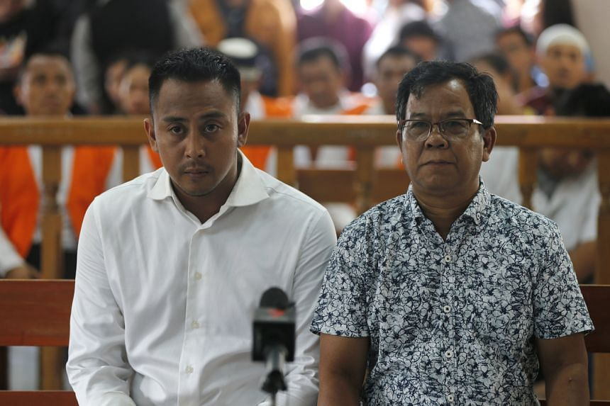 William Cabantog (left), one of the two Australians sentenced, during his verdict trial in Bali on Jan 6, 2020.