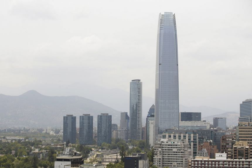 Chile's capital, Santiago, wreathed in a cloud of smoke on Jan 6, 2020. The cloud poses no threat to Chileans.