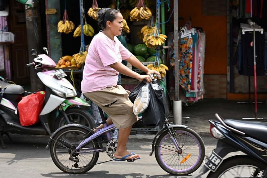 Jakarta will ban single-use plastic bags from its street markets and shopping malls from the middle of this year.
