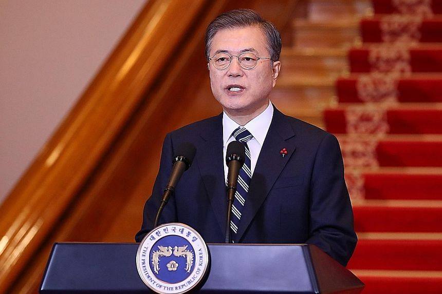 South Korean President Moon Jae-in, in his New Year's speech yesterday, urged cross-border efforts to make North Korean leader Kim Jong Un's long-planned trip to Seoul a reality.