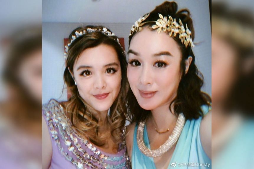 Hong Kong actress Christy Chung (right) and her eldest daughter Yasmine.