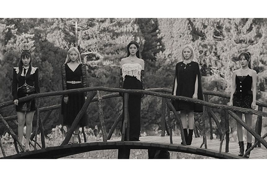 The five-piece girl group Red Velvet (above).