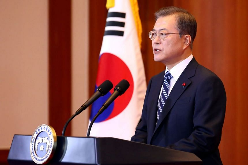 South Korean President Moon Jae-in saw his support rate fall to an all-time low in the wake of a scandal surrounding former Justice Minister Cho Kuk.