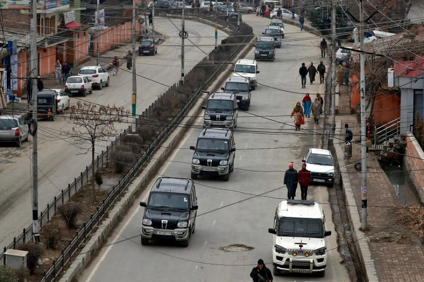 A convoy believed to be transferring foreign diplomats in Srinagar on Jan 9, 2020.