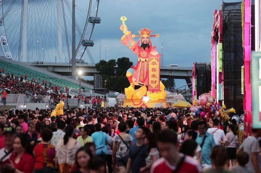 Attendees of River Hongbao 2019 at Marina Bay.