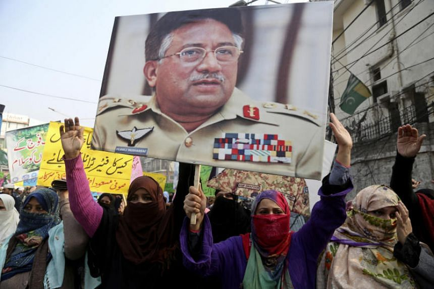Supporters of Pakistan's former military ruler Pervez Musharraf protest a court decision which had found him guilty of treason, in Lahore, Pakistan, on Dec 22, 2019.
