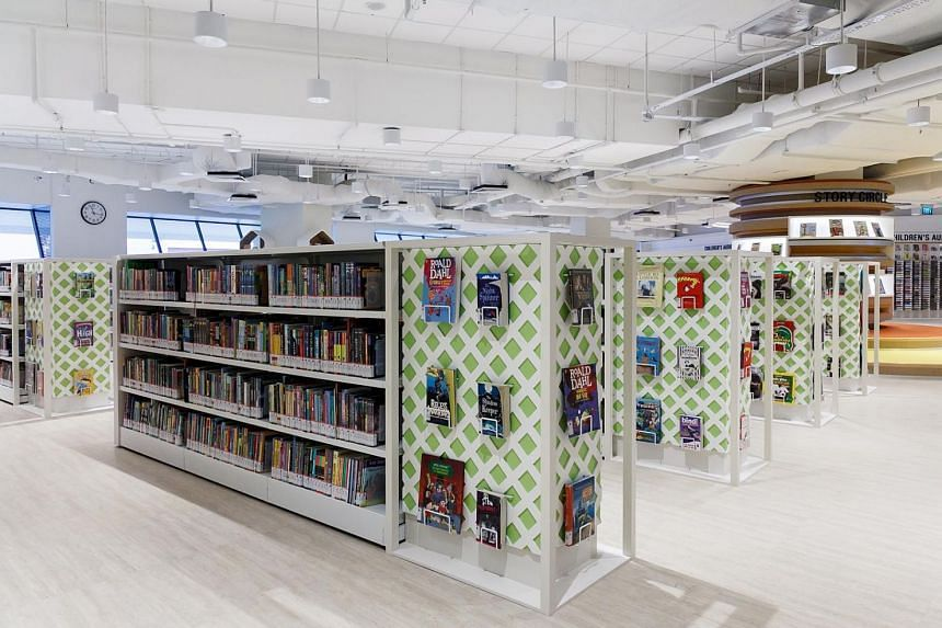Carefully planned book shelves combined with book displays on the sides, to highlight the latest collections available.