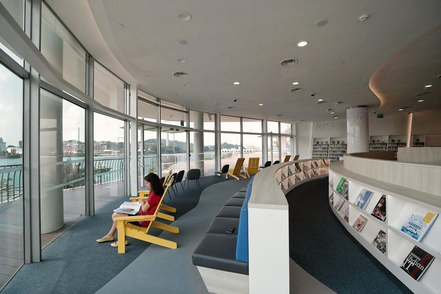 A reading lounge with a view of Sentosa in library@harbourfront.