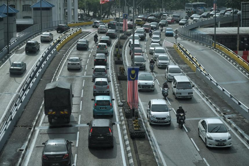 Besides texting and driving, other driving infractions that will be subjected to fines are misuse of emergency lanes, speeding, running the red lights, cutting queue and overtaking of vehicles in a non-overtaking zone.